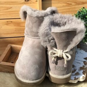 🍁🍂UGG Bow Rope Women's Size 10 Authentic 🍂🍁